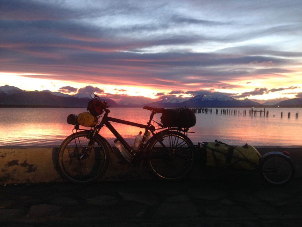 O pôr do Sol de Puerto Natales no inverno é um espetáculo indescritível